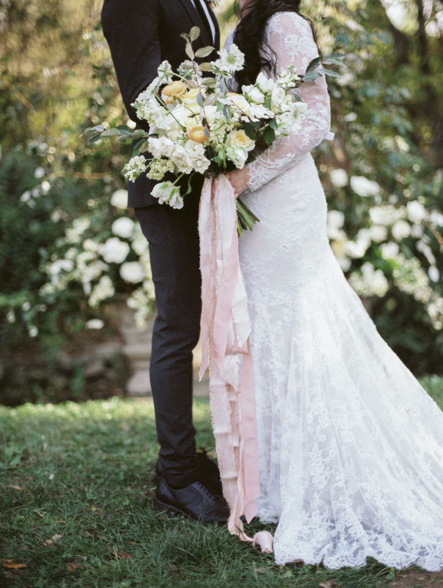 Photo via Jeremy Chou Photography as seen on Style Me Pretty.