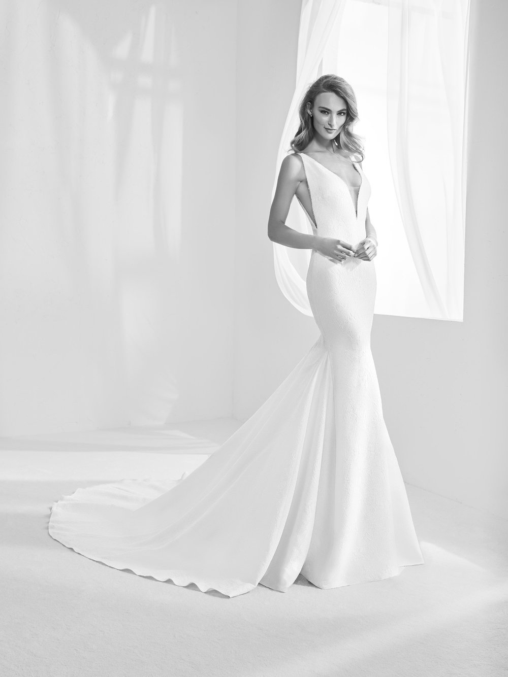 Photo via Pronovias Atelier.