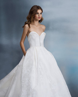 allison-webb-bridal-spring-2018-style-4807-clara_11.jpg