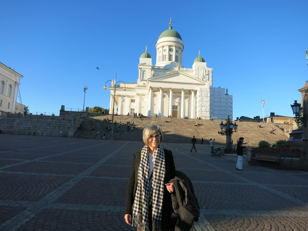 Moi below the Helsinki Lutheran Cathedral