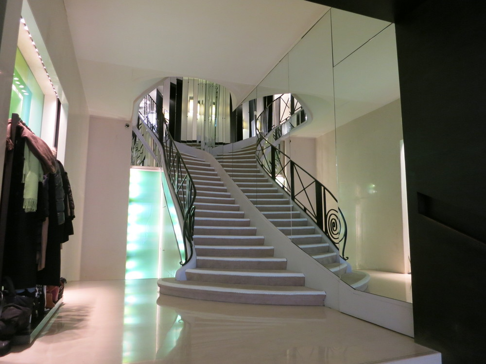 Coco Chanel 31 rue Cambord, Paris.