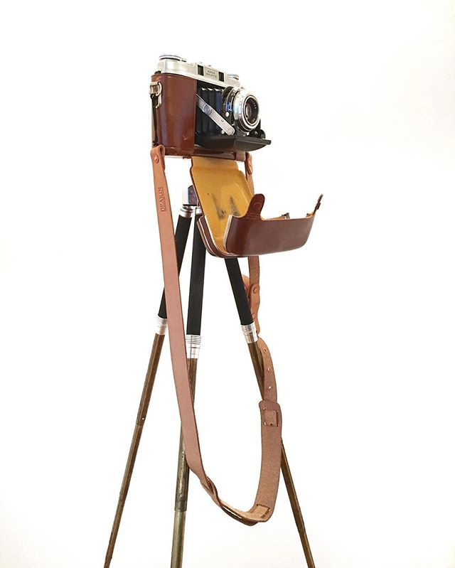 @frithmusic has excellent taste 💫 - #deakinhandmade #losangeles  #camera #camerastrap #leathergoods #photography #polaroid #vintage #canon #nikon #fugifilm #sonya6300 #sony #minolta #picoftheday #handmade #dtla #maker #hermannoak #vegtan #madeinla #handmadeinlosangeles #edc #everydaycarry #rawdenim #selvedge