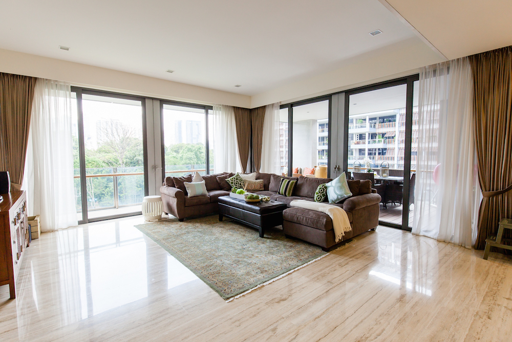 Living Room (1).jpg