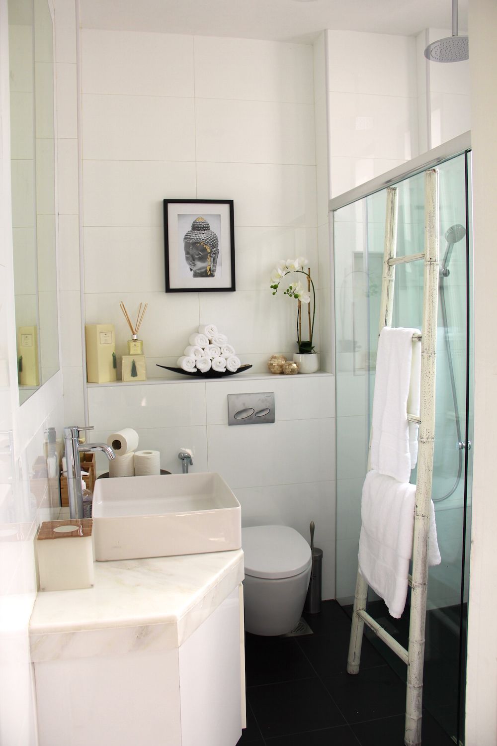 Guest Bathroom (1).jpg