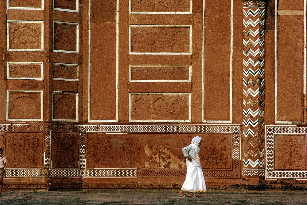 CW44-Crossing-the-Taj.jpg