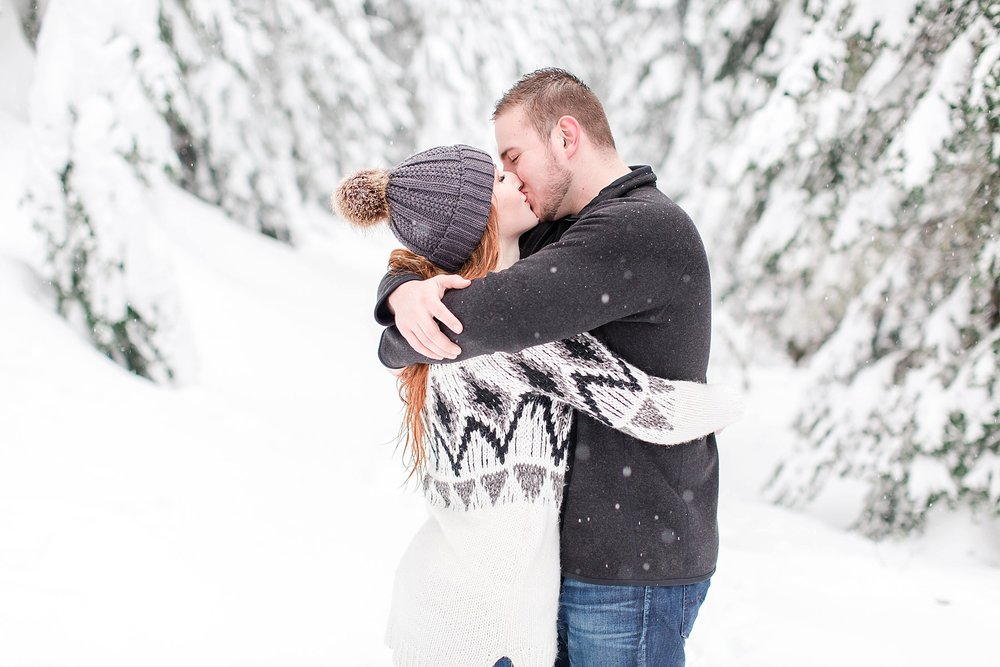 stevens-pass-engagement-session_0538.jpg