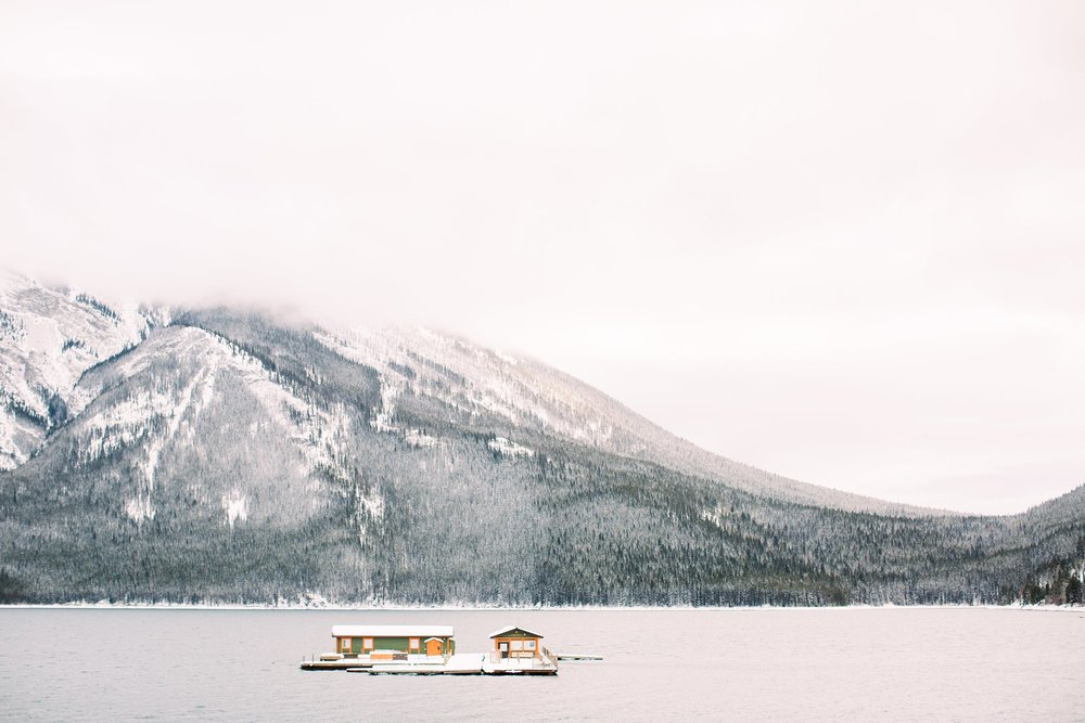 Lake Minnewanka Banff Engagement Calgary Wedding Photographer_000.jpg