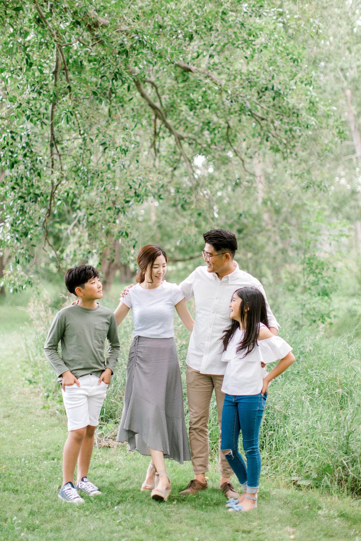 calgary family photography lifestyle photographer confederation park.jpg