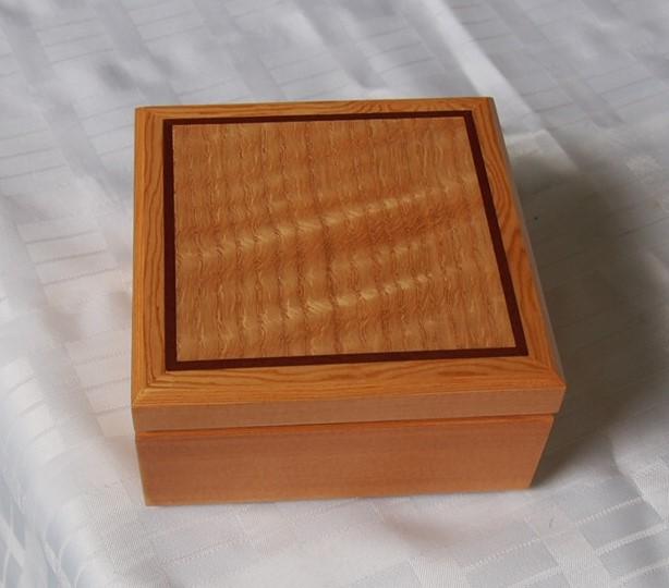 Bill Rangott_figured oak douglas fir veneer box.JPG