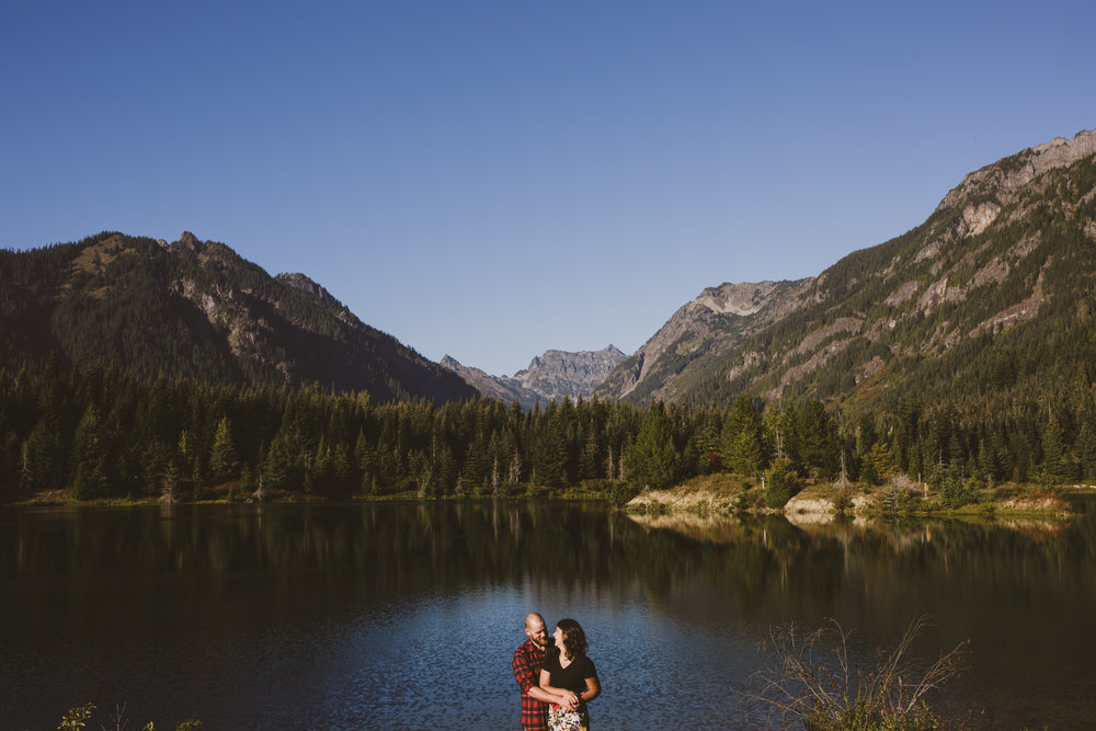 AdventurousWashingtonEngagementPhotographer-1.jpg