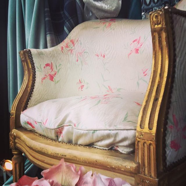 Our fabulous Venetian chair has got a lot of attention in our shop window today 😍#roseandleeinteriors #home #shop #unique #upholstery #fabric #unique #design #shop #gifts #shoplocal
