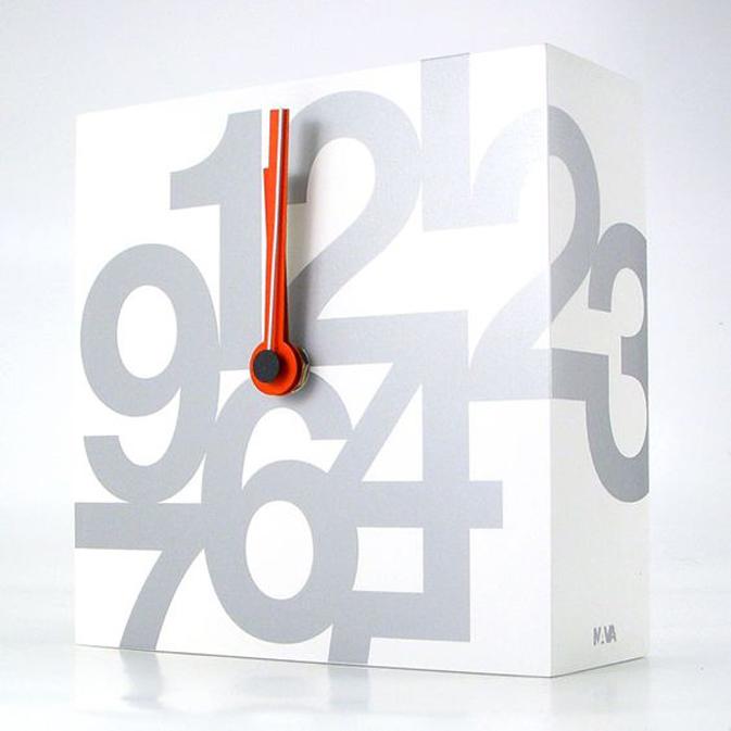 time square-table-clock-00-dario serio.jpg
