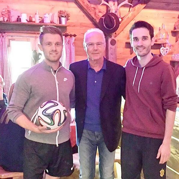 Max trickst vor Franz Beckenbauer