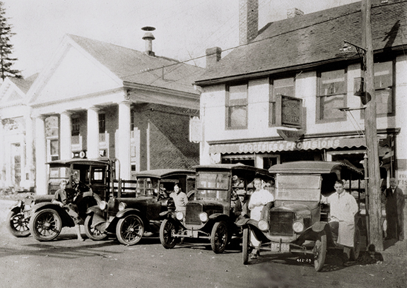1924:  ANDERSON MARKET DELIVERY FLEET:  CONCORD, MA     NOW:  MAIN STREETS CAFE