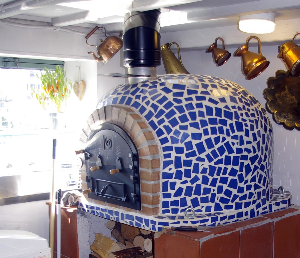 Pizza Oven (mid).jpg