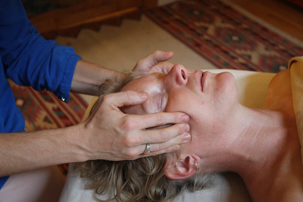 2015.08 KM in studio massage shoot (11 of 81).jpg