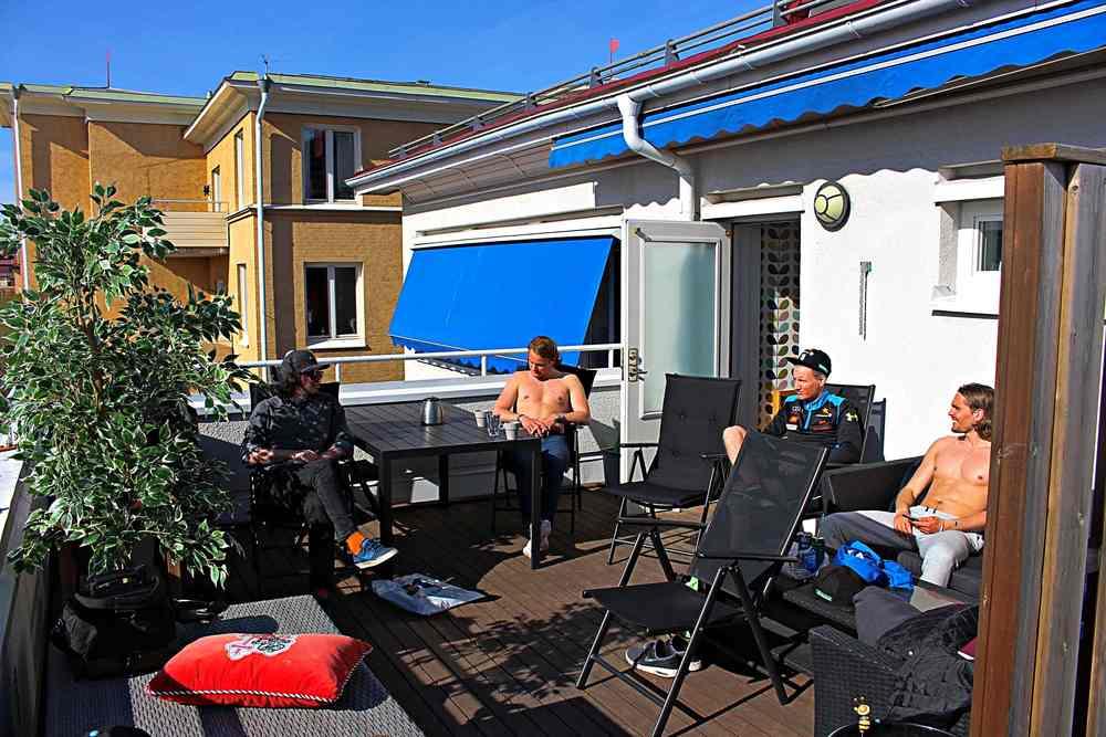 Blev lite solhäng på Max-Gordons terrass efter testerna.