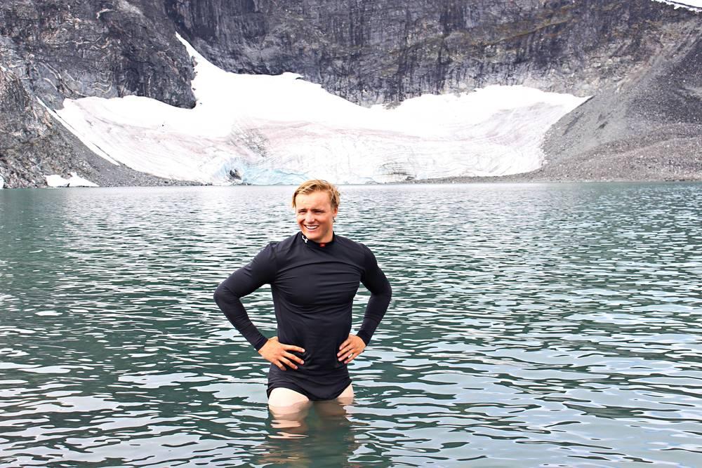 Blev en del isbad nedanför glaciären sista dagarna av lägret. Benen behövde all hjälp för att hålla sig fräscha