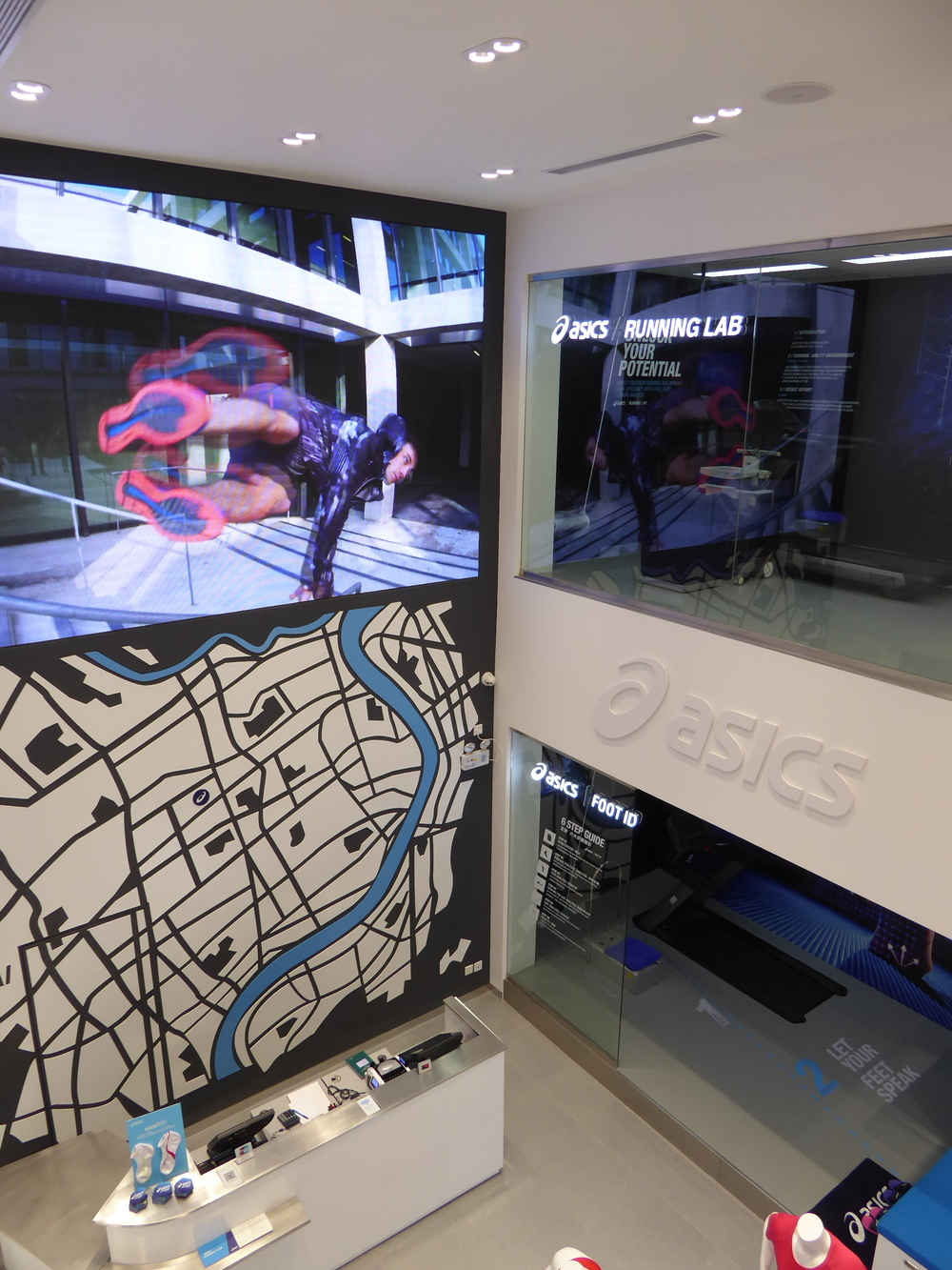 ASICS store design