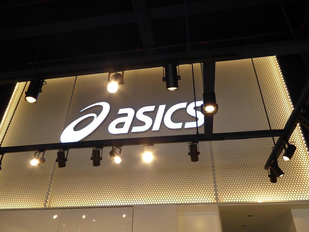Asics signage