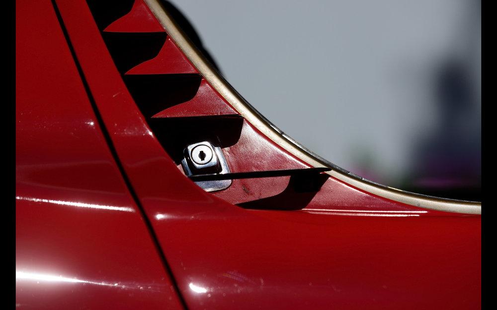 1968-Lamborghini-Miura-P400-Details-3-2560x1600.jpg