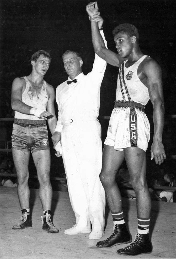 Zbigniew_Pietrzykowski_and_Muhammad_Ali_1960.jpg