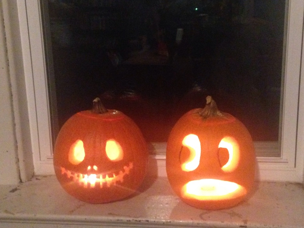 Carved pumpkins with the church fam here. Did the one on the right...I guess this is how I feel about moving to Chicago! 😂