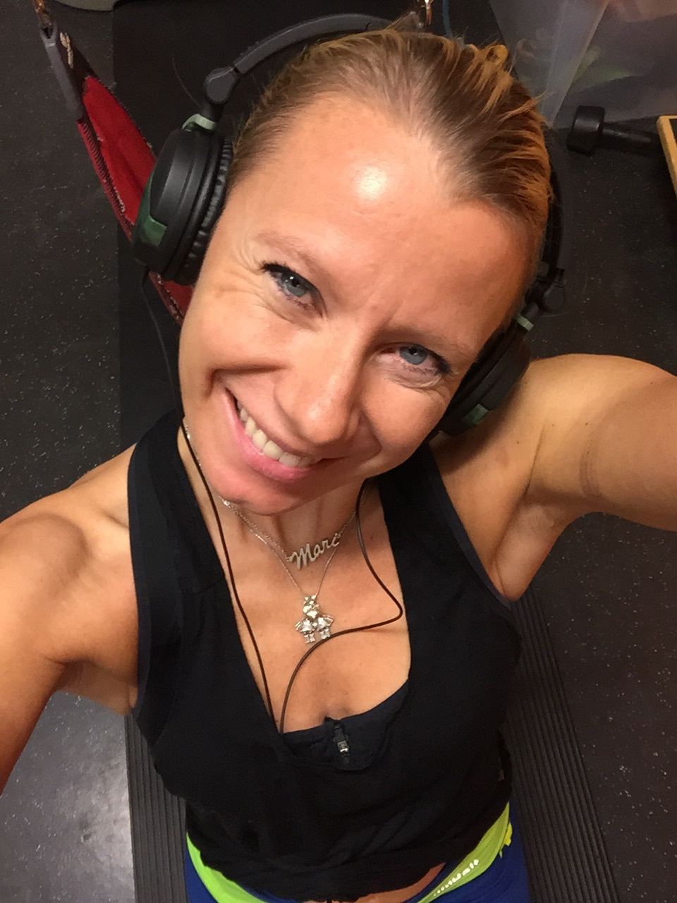 Så fornøyd da jeg fant ut at jeg fortsatt klarer å kjøre push-ups i redcorden!!!