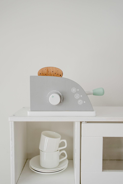 Ikea-Play-Kitchen-Hack-13.jpg