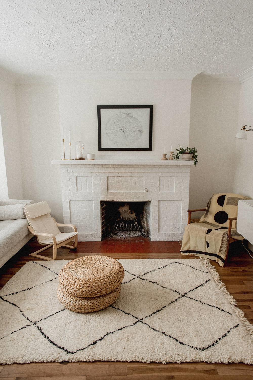 missjesscraven-hometour-livingroom.jpg