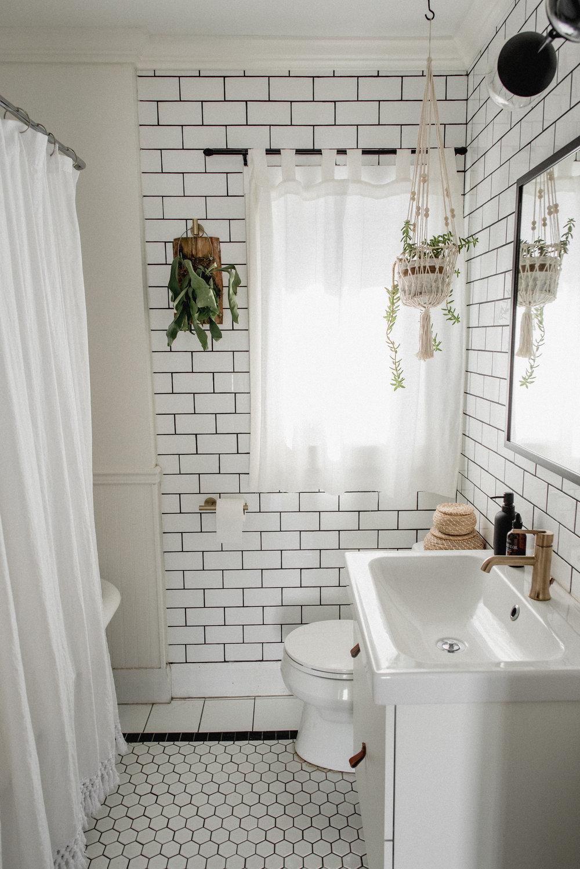 missjesscraven-hometour-bathroom