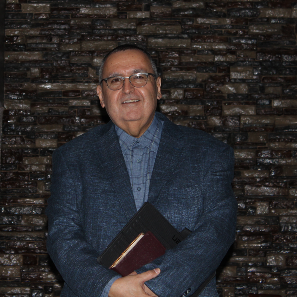 Senior Pastor   Pastor Charlie Flores