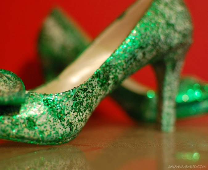 diy-glitter-school-spirit-shoes-graduation-heels-photo.jpg