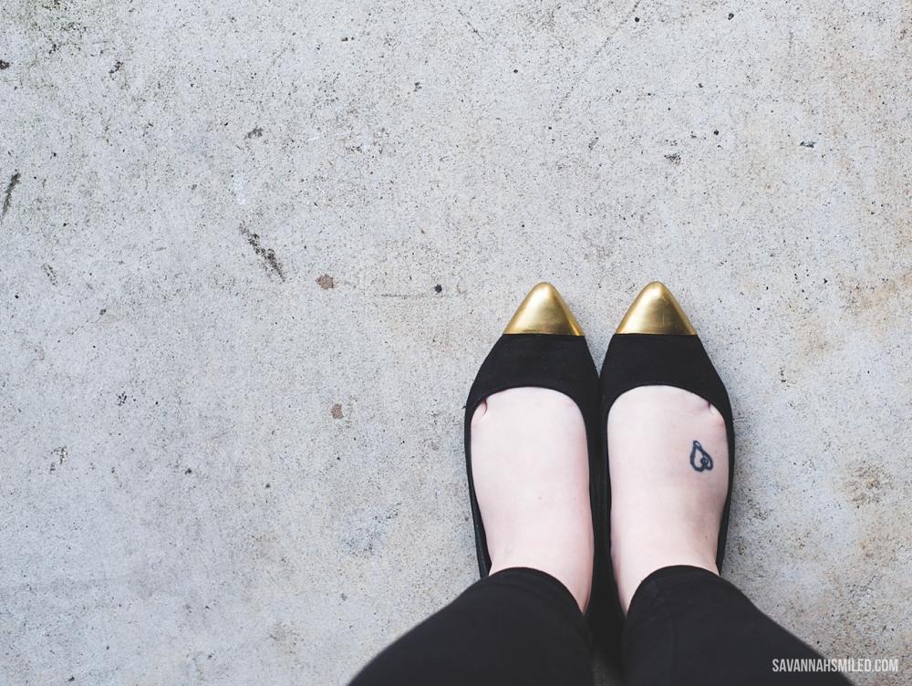 repair-gold-shoes-spray-paint-15.jpg