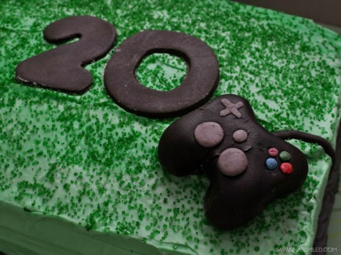 steven-white-xbox-playstation-cake-photo.jpg