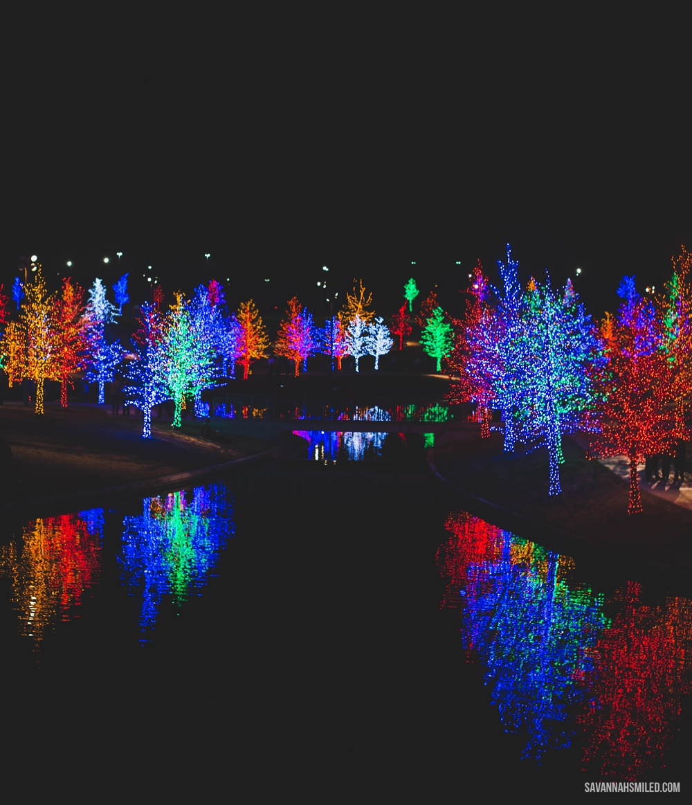 addison-vitruvian-park-dallas-christmas-lights-3.jpg