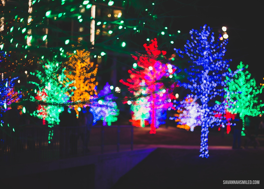 addison-vitruvian-park-dallas-christmas-lights-7.jpg
