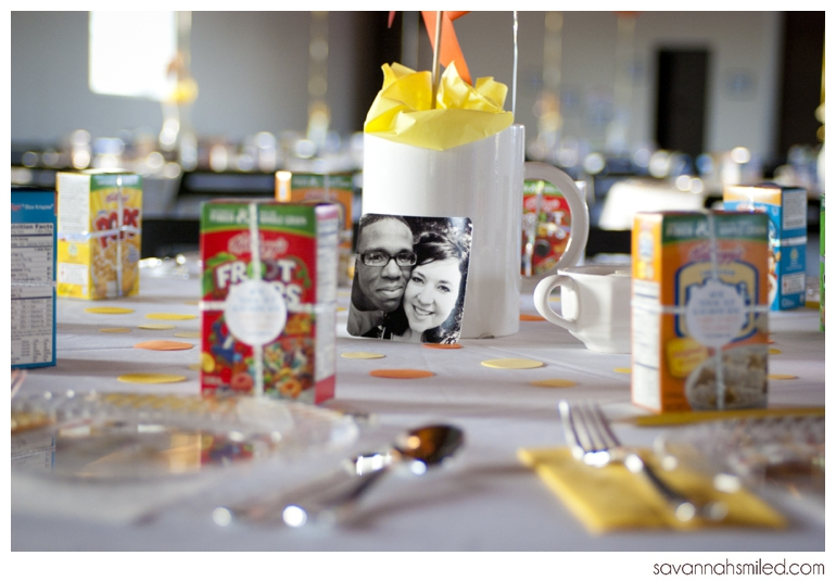 unique-diy-breakfast-wedding-table-decor-photo.jpg