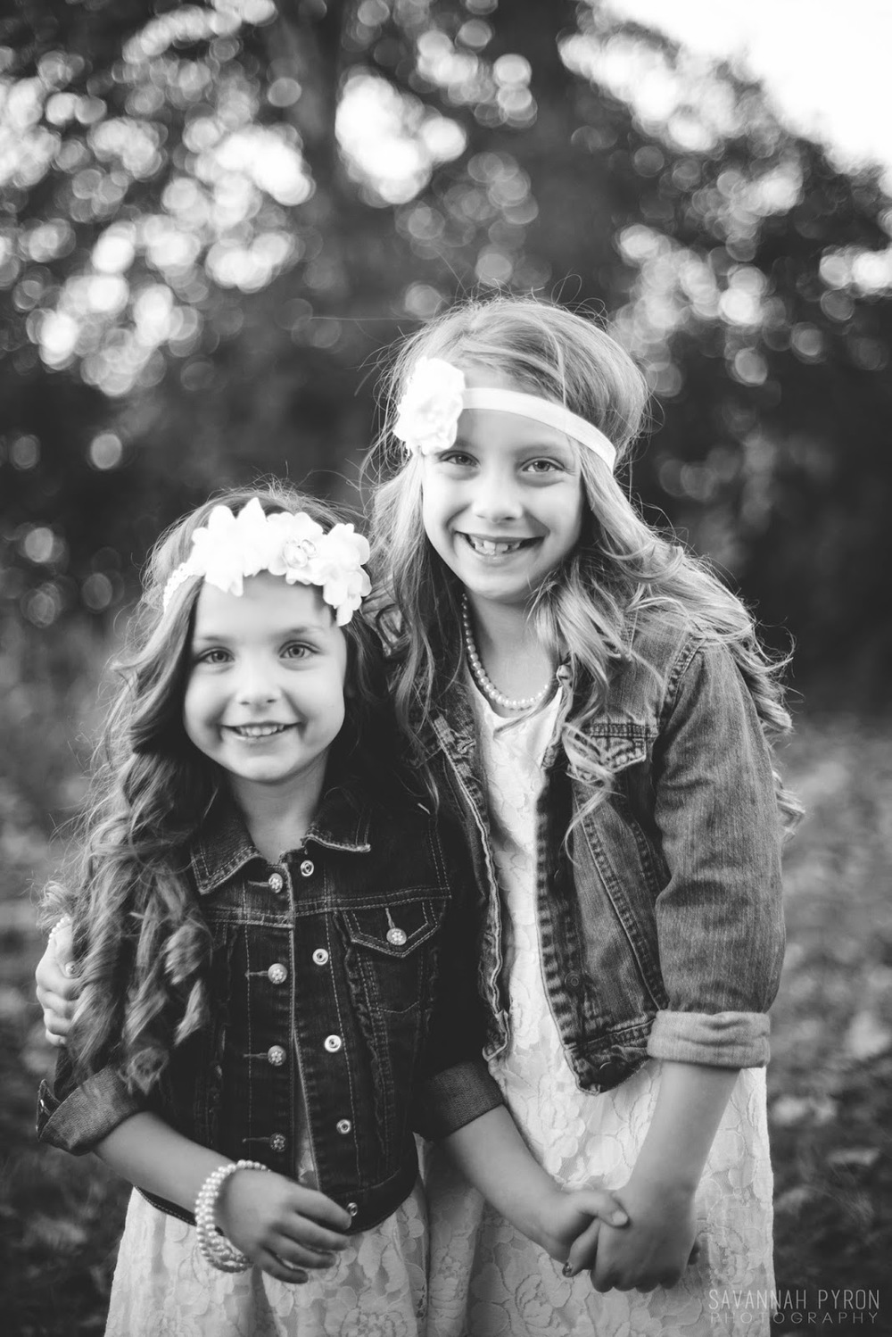 sweet-sisters-pretty-headbands-texas-photography.jpg