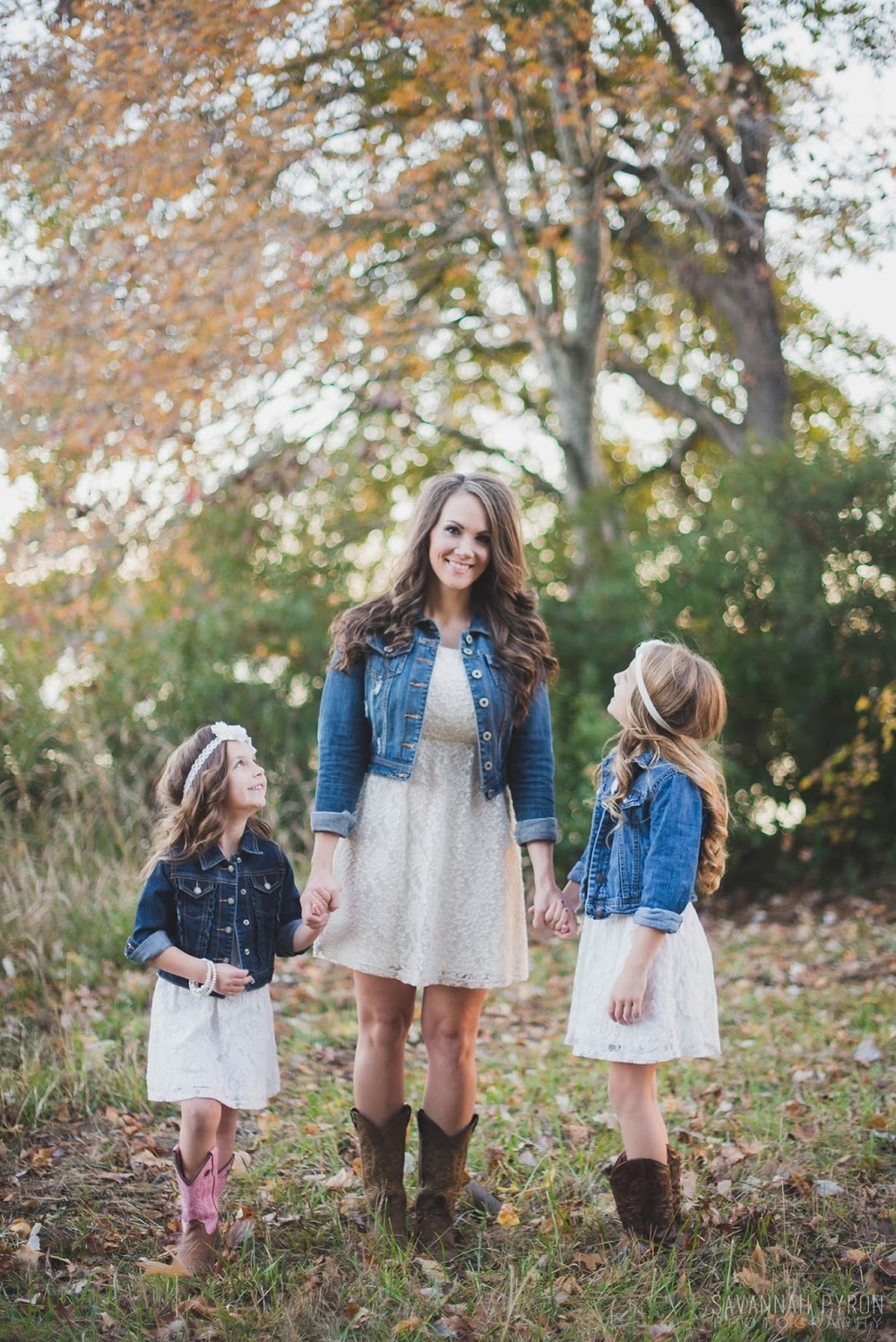 mom-daughter-denim-dress-portraits.jpg