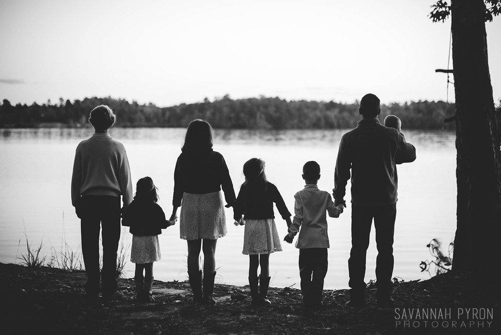 lak-hawkins-family-sillouette-portraits.jpg