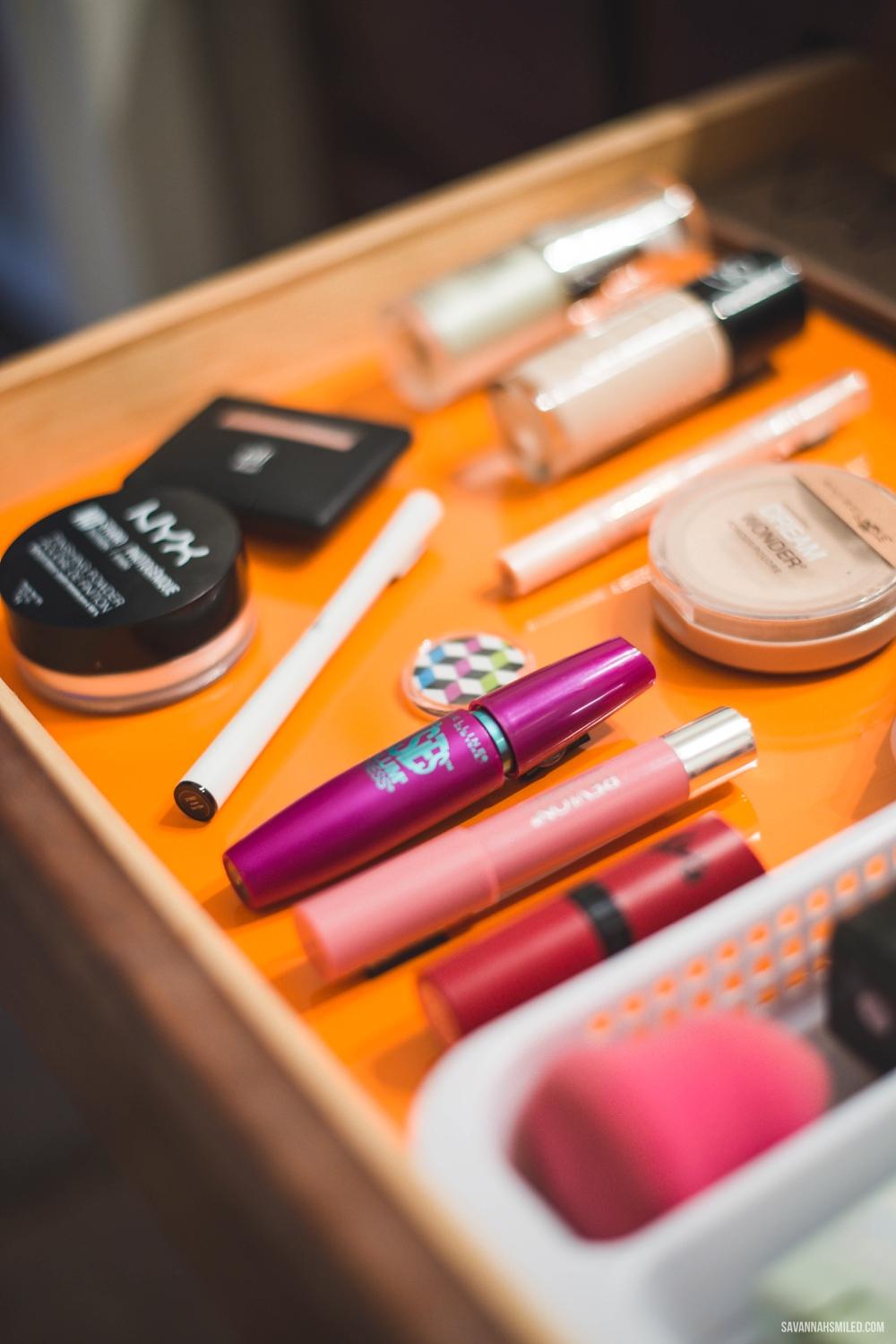 diy-makeup-magnet-organizer-9.jpg