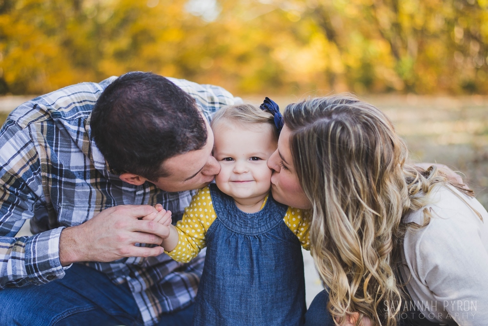 yellow-navy-family-portraits.jpg