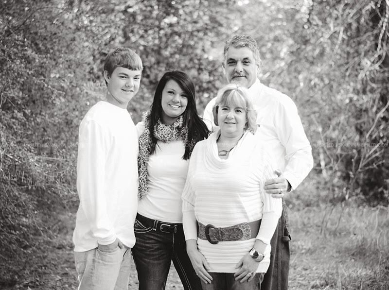 addison-family-christmas-portraits-photo.jpg