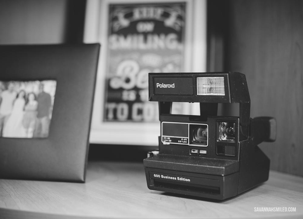 black-white-office-work-space-3.jpg