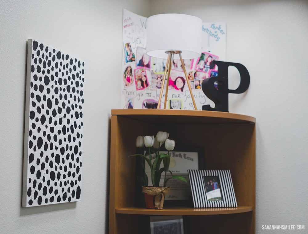 black-white-office-work-space-1.jpg