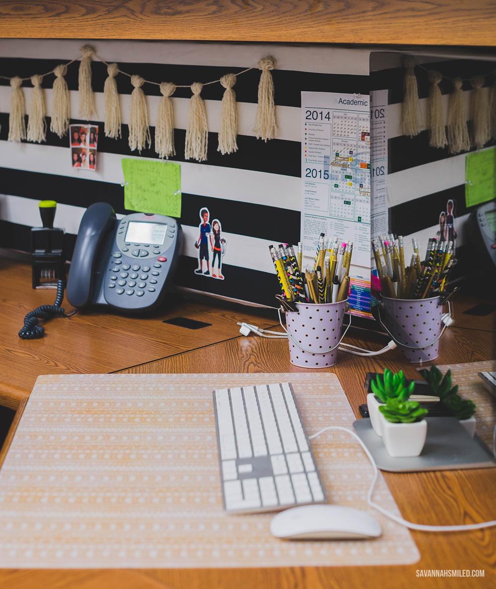 black-white-office-work-space-8.jpg