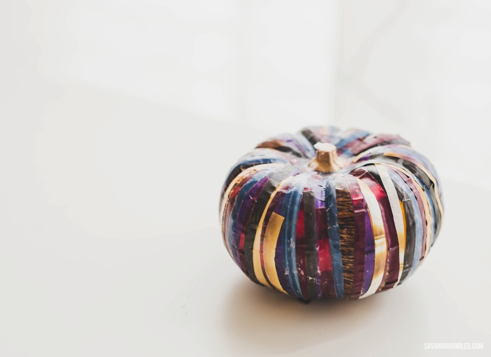diy-magazine-fall-pumpkin-decor-15.jpg