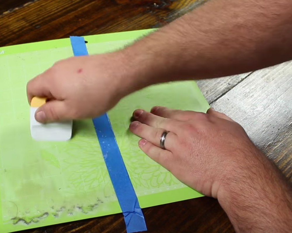 DIY | How To Clean Your Cutting Mat