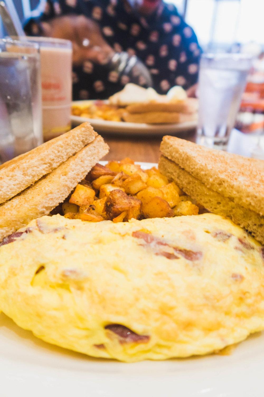 juniors-breakfast-11.jpg